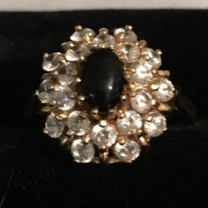 Jewelry - Gold Onyx Ring